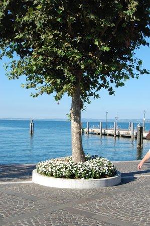 Hotel Villa Mulino: view of the ferry port