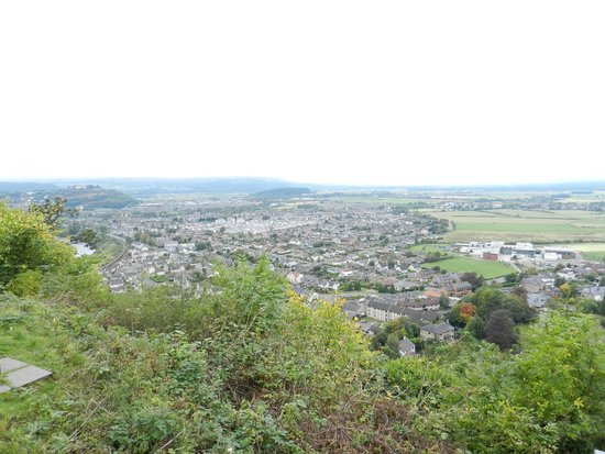 The Hairy Coo - Free Scottish Highlands Tour : View over Stirling