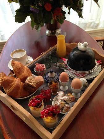 Prince Henry, Private Suites and Gardens: Breakfast tray - a treat every morning!!!