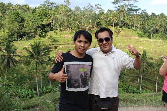 Private Driver in Bali - Made Dodi 'Family Team': in Mitten der Reisterrassen mit Dennis