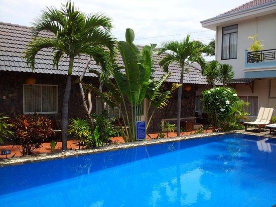 Xin Chao Hotel: Pool 1