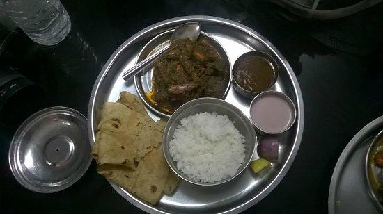 Hotel Abhishek: Crab Malvani Thali