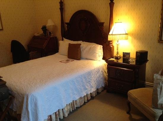 The Cliff House at Pikes Peak: Bedroom