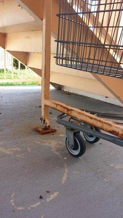 Motel 6 Galveston - Seawall: Stairs