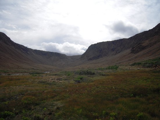 Sheppard's B and B : Tablelands