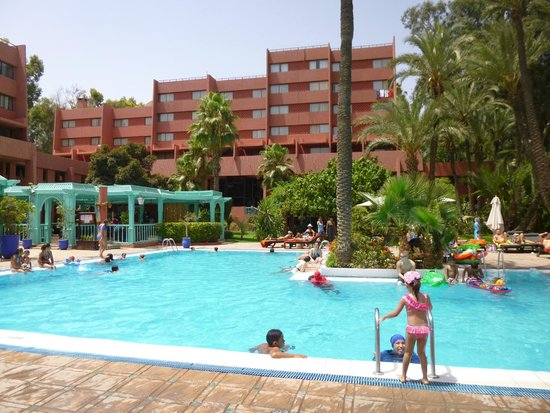 Hotel Kenzi Farah : Vue du transat