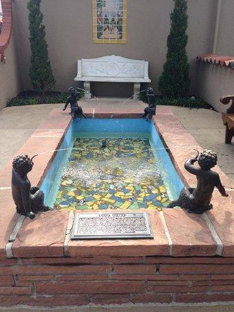 KC Fountains: Four Fawns Fountain