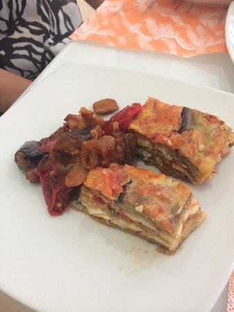 Al Tortellino: Taste bites if parmegiana and caponata