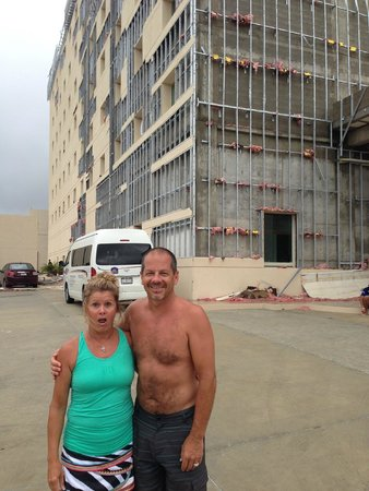 Hotel Aeropuerto Los Cabos: Trying to keep light-hearted despite the dire situation