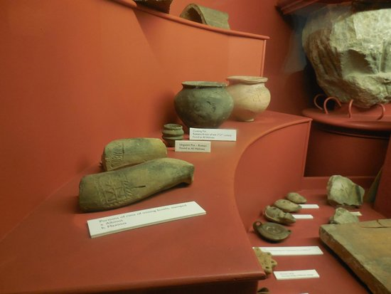 All Hallows By The Tower : Roman artifacts