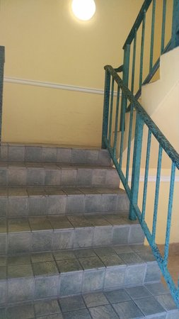 Holiday Inn Key Largo : 2nd picture of stairs