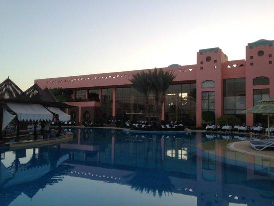 Nubian Island Hotel: Hotel from pool