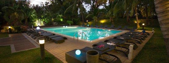 Alamanda Hotel: La piscine de nuit