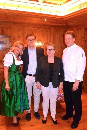 Kaiserhof: Gruppenfoto zum 10. Jubiläum