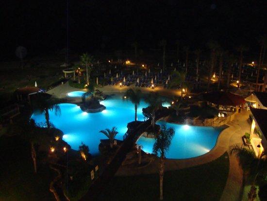 SENTIDO Cypria Bay: The pool at night