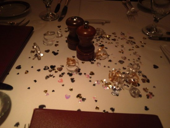 Bone's Restaurant: Anniversary table Decorated with hearts