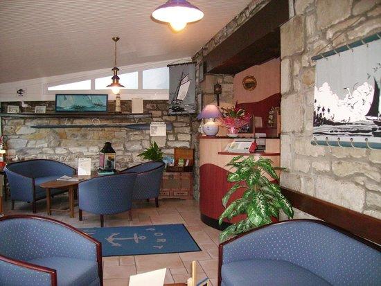 Hotel Restaurant Port Jacquet: Réception Accueil