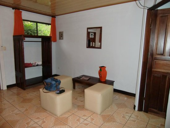 Ara Ambigua Lodge : 2014