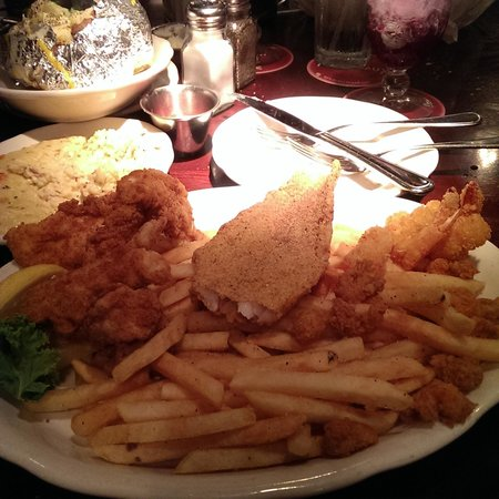 Pappadeaux Seafood Kitchen: Fried Platter