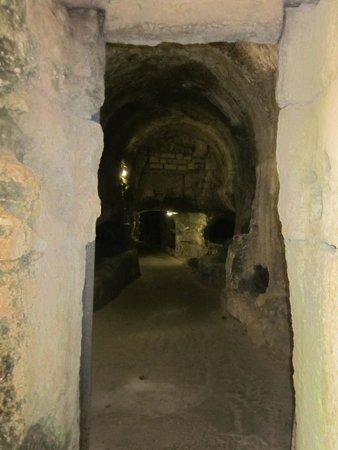 Chiesa di San Giovanni alle Catacombe: Looking into the tunnel