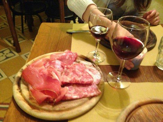 Il Vinaino : 生ハム盛り合わせ!ボリューム満点なのに安かった!もちろん美味しい(*^^*)
