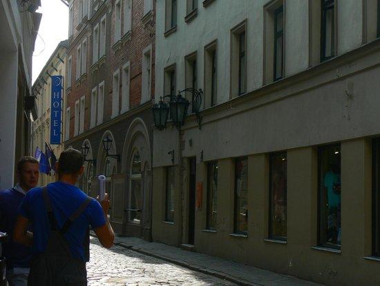 Konventa Seta Hotel: lungo la strada dell'hotel