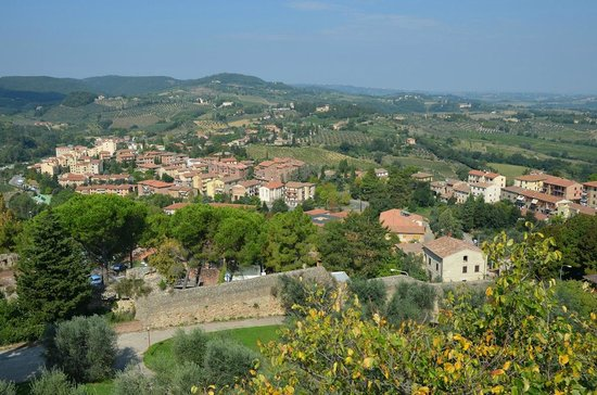 Tours Around Tuscany: View from an overlook in Tuscany
