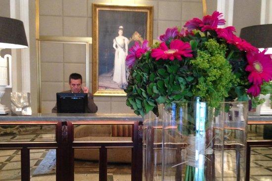Hotel Maria Cristina, a Luxury Collection Hotel, San Sebastian: The Front Desk