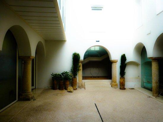 Hotel Viento 10 : Courtyard