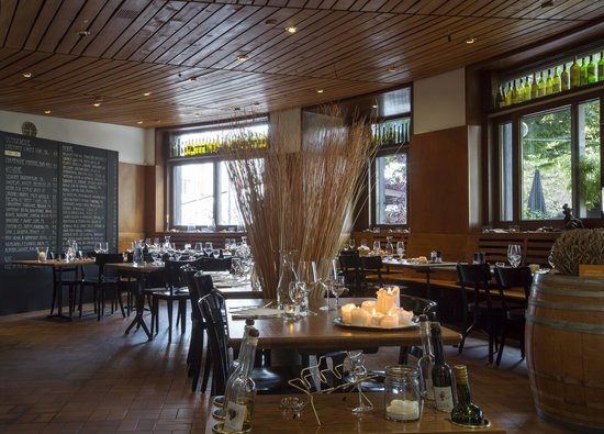 restaurant viertel kreis basel restaurant bewertungen. Black Bedroom Furniture Sets. Home Design Ideas