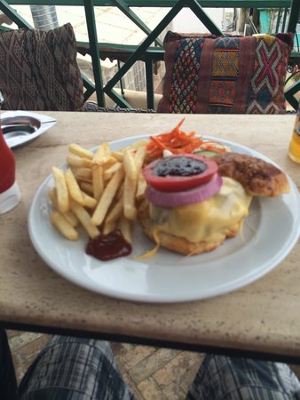 Cafe Clock: The famous 'Kamelburger'