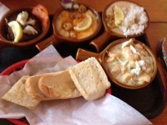 Darwell's Cafe : pick 4 our way, creole grits, yum yum, crab cake, crawfish etouffee