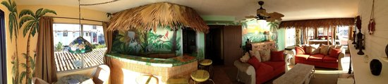 Poco Cielo: The Polynesian Room