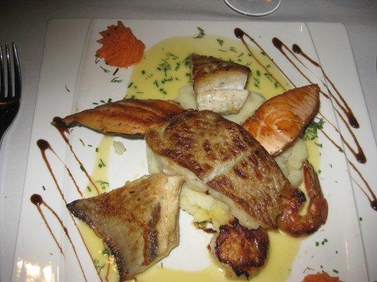 Bon restaurant de poissons picture of le vivier nancy for Vivier a poisson