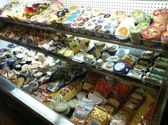 J.A. Moisan Epicerie : Cheeses