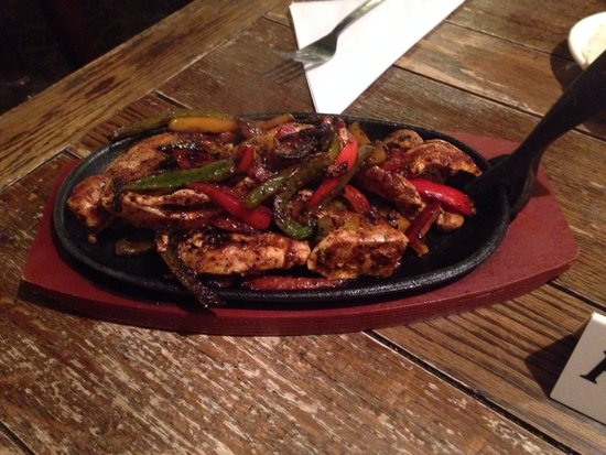The Black Swan: Chicken fajitas from the menu - simply delicious