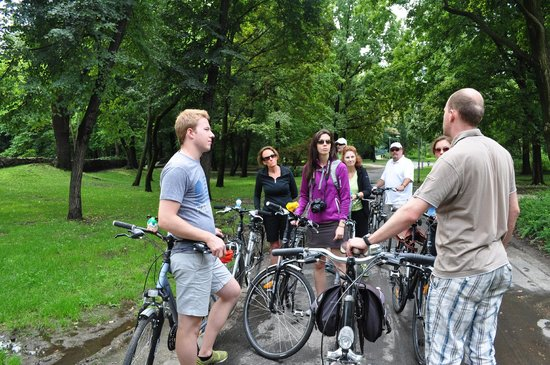 Budapest Bike Breeze: A brief stop for info on Margaret Island