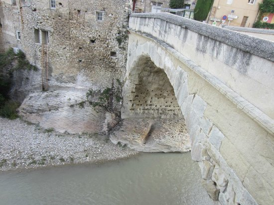 Roman Bridge : Base of bridge