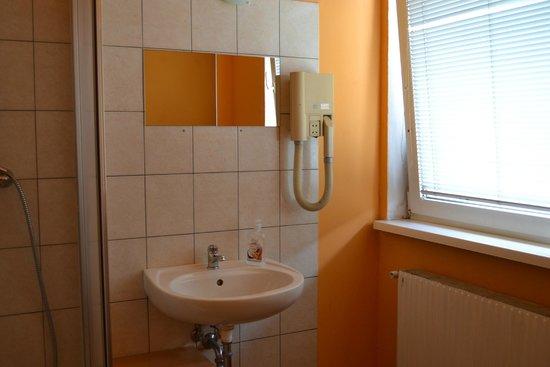 Pension Madara 2 - Hotel in Hernals : Ванная и туалет
