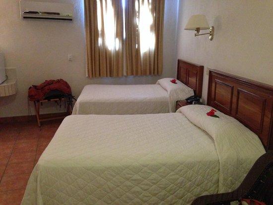 SunBreeze Hotel: Beds