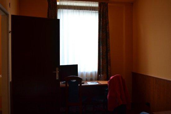Pension Madara 2 - Hotel in Hernals : Телевизор не подключен к антене
