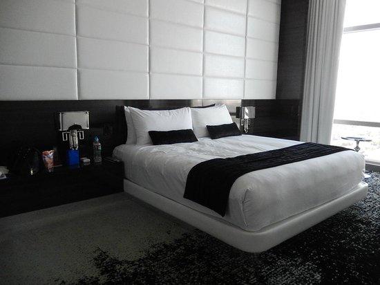 ذا بالمز كازينو ريزورت: Ivory Suite bedroom