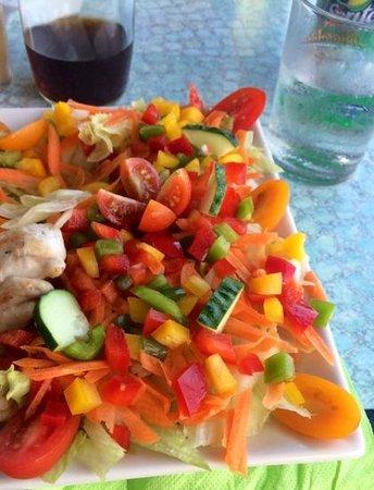 "7 Palms Restaurant and Bar: ""Beautiful Salad!!"""