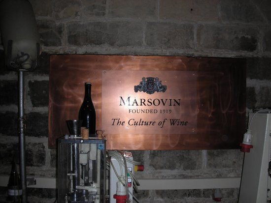 Marsovin : le chais près du port