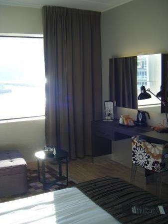 Clarion Hotel & Congress Trondheim: Camera con vista mare e imbarco traghetti
