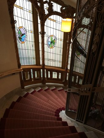 Hotel Diplomat: Rappukäytävä