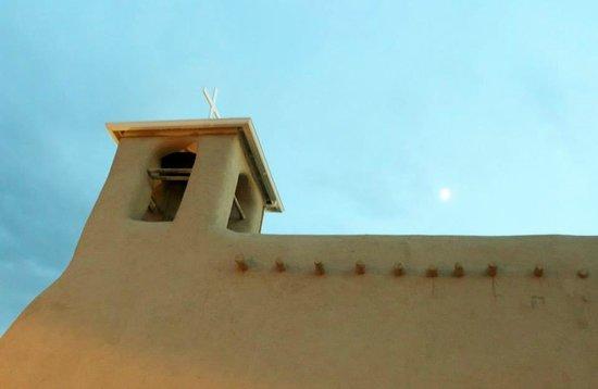 San Francisco de Assisi Mission Church: Taos, New Mexico