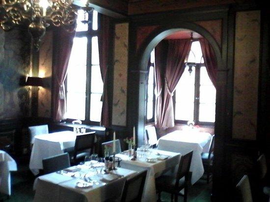Duc de Bourgogne: Alcove restaurant