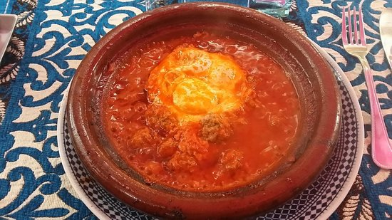 Chez Rachid: Tagine minced meat with tomato (40dh).