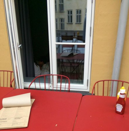 Hotel SP34 : resting neighbor to the so called rooftop bar